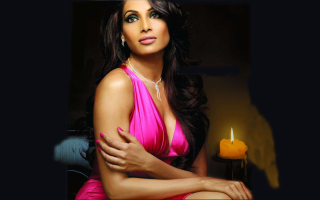 Bipasha Basu Picture for Android, iPhone and iPad