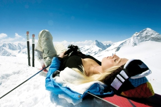 Skiing Girl Background for Android, iPhone and iPad