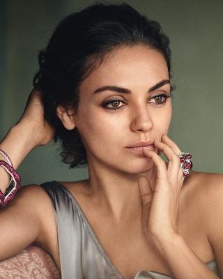 Mila Kunis American actress - Obrázkek zdarma pro Nokia Asha 308
