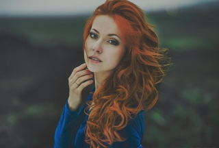Beautiful Redhead Girl Picture for Android, iPhone and iPad