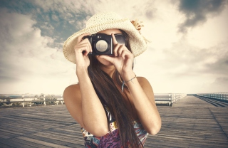 Cute Photographer In Straw Hat Picture for Android, iPhone and iPad