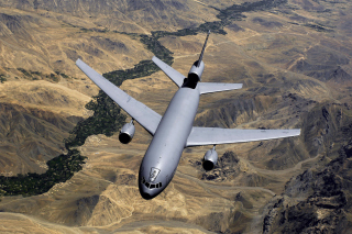 McDonnell Douglas KC-10 - US Air Force Background for Android, iPhone and iPad