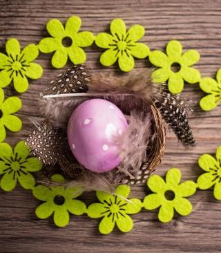 Purple Egg, Feathers And Green Flowers - Obrázkek zdarma pro Nokia Lumia 505