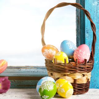Easter eggs in basket - Obrázkek zdarma pro iPad Air