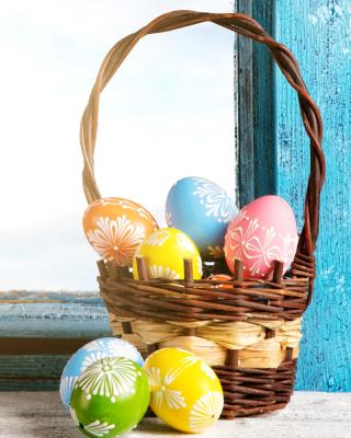Easter eggs in basket - Obrázkek zdarma pro 240x432