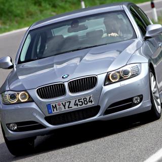 BMW 3 Series E90 325i - Obrázkek zdarma pro 208x208