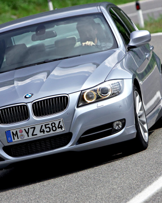 BMW 3 Series E90 325i - Obrázkek zdarma pro iPhone 5S