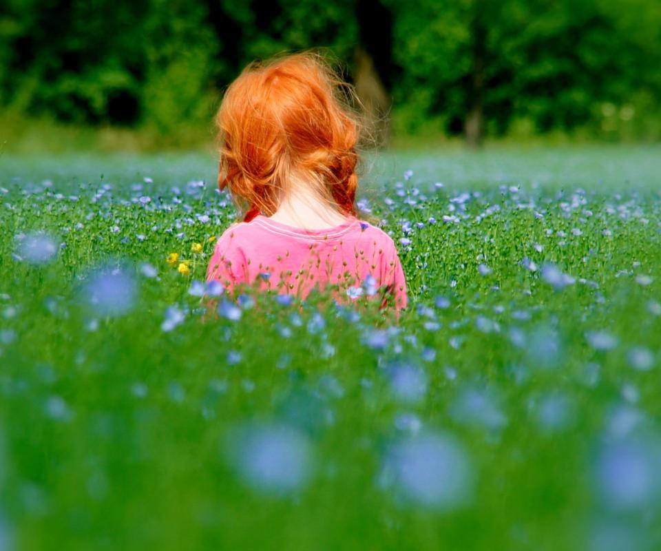 Redhead Child Girl Behind Green Grass wallpaper 960x800