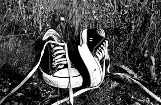 Chucks Schwarz Converse Background for Android, iPhone and iPad