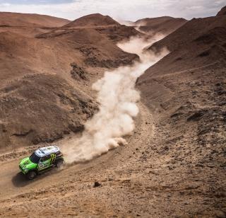 Mini Cooper Rally - Obrázkek zdarma pro iPad