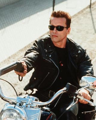 Arnold Schwarzenegger in Terminator 2 - Obrázkek zdarma pro Nokia Lumia 822