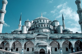 Sultan Ahmed Mosque in Istanbul Background for Android, iPhone and iPad