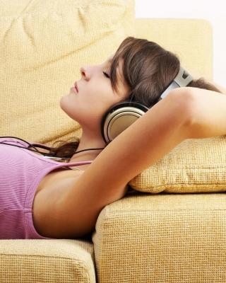 Relax in Headphones - Obrázkek zdarma pro Nokia C1-00