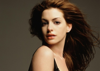 Free Anne Hathaway Picture for Android, iPhone and iPad