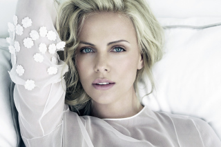 Charlize Theron - Obrázkek zdarma pro 176x144
