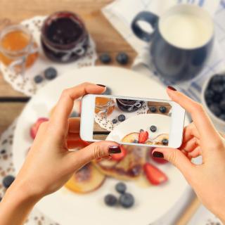 Cake for Instagram - Obrázkek zdarma pro iPad mini