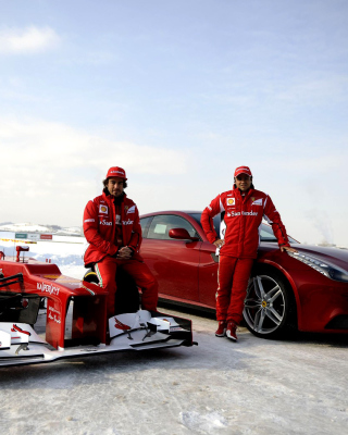 Fernando Alonso in Ferrari - Obrázkek zdarma pro Nokia Asha 203