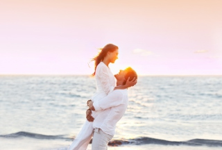 Beach Romance Picture for Android, iPhone and iPad