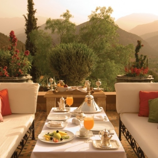 Summer Lunch on Terrace - Obrázkek zdarma pro 208x208