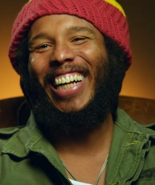 Marley (2012) - Obrázkek zdarma pro Nokia Asha 310