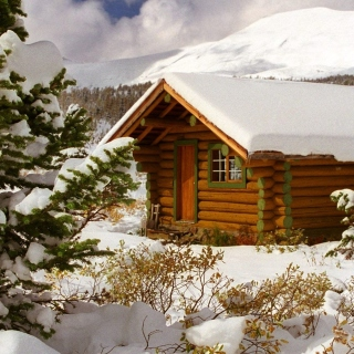 Cozy winter house - Obrázkek zdarma pro 1024x1024