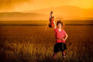 Violin Girl - Obrázkek zdarma pro Fullscreen Desktop 1280x1024