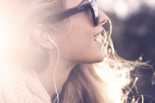 Ray Ban Girl Background for Android, iPhone and iPad
