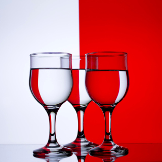 Red White Stemwares - Obrázkek zdarma pro 1024x1024