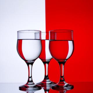 Red White Stemwares - Obrázkek zdarma pro iPad Air
