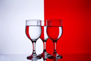 Red White Stemwares - Obrázkek zdarma pro 480x360