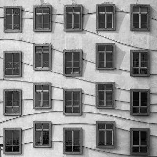 Windows Geometry on Dancing House - Obrázkek zdarma pro iPad Air