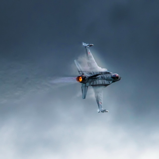 F 16 Fighting Falcon - Obrázkek zdarma pro iPad 3