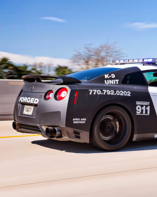 Police Nissan GT-R - Obrázkek zdarma pro Nokia C7