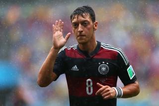 Mesut Ozil from Bundesliga - Obrázkek zdarma pro Samsung Galaxy A3