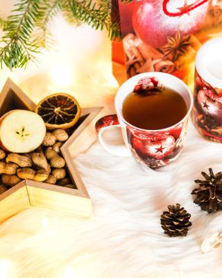 Christmas Tree Ornaments - Obrázkek zdarma pro 750x1334