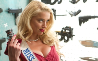 Free Amber Heard In Machete Kill Picture for Android, iPhone and iPad