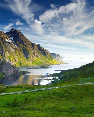 Ultra HD Mountains - Obrázkek zdarma pro Nokia X3-02