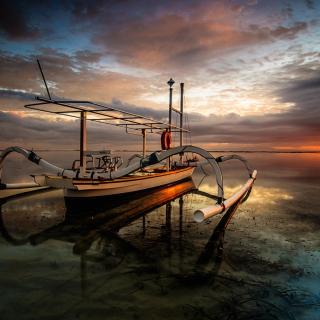 Landscape with Boat in Ocean - Obrázkek zdarma pro 320x320