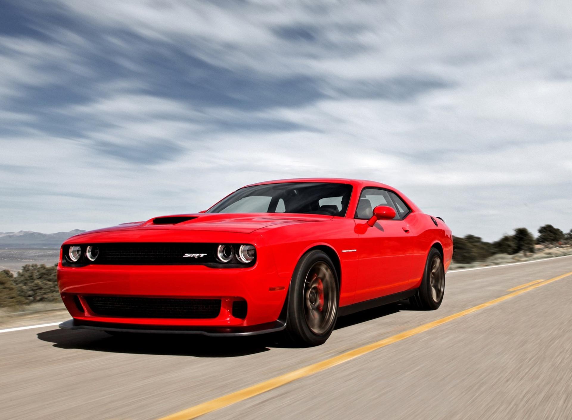 красный спортивный автомобиль Dodge Challenger red sports car  № 728295 без смс