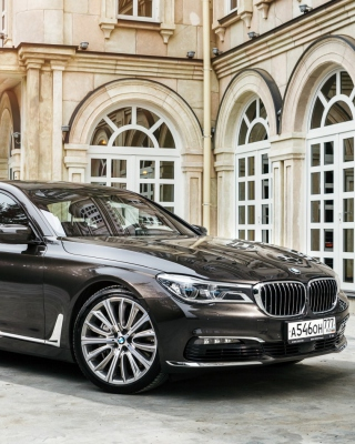 BMW 7 Series G12 - Obrázkek zdarma pro 132x176