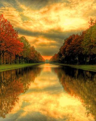 Autumn Channel - Obrázkek zdarma pro Nokia X2-02