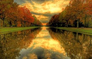 Autumn Channel - Obrázkek zdarma pro Nokia Asha 210