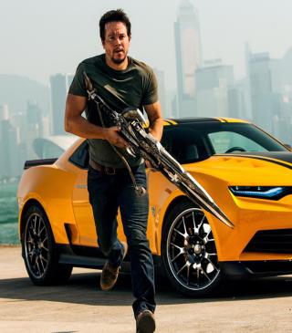Mark Wahlberg In Transformers - Obrázkek zdarma pro 360x480