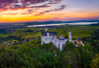 Free Neuschwanstein Castle Picture for Android, iPhone and iPad