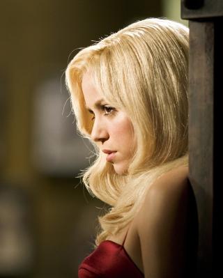 Shakira Serious - Obrázkek zdarma pro 128x160