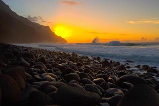 Kalalau Beach in Hawaii - Obrázkek zdarma pro Motorola DROID 2