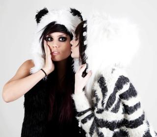 Panda Girls Costume - Obrázkek zdarma pro iPad