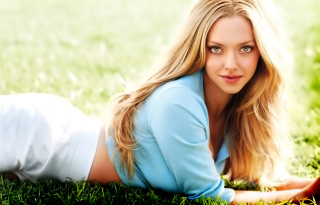 Free Amanda Seyfried Picture for Android, iPhone and iPad