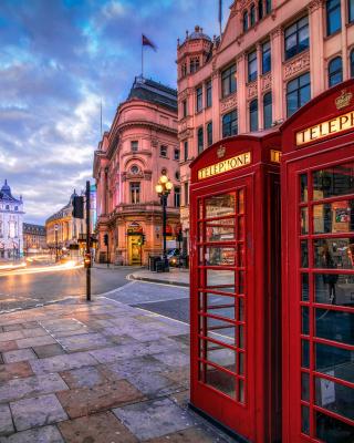 London Street, England - Obrázkek zdarma pro Nokia Asha 203