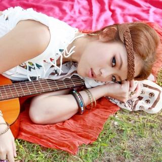 Girl with Guitar - Obrázkek zdarma pro 128x128